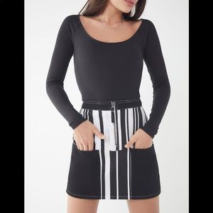 Transitional summer/fall black and white mini